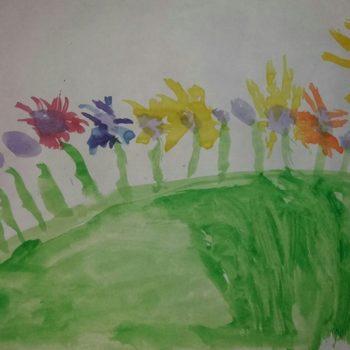 Поля, 5 лет. Мечтает о том, чтобы вся планета была в цветах!
