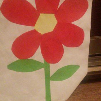 Рамир, 5 лет. Мечтает о том, чтобы всегда дарить маме цветы!