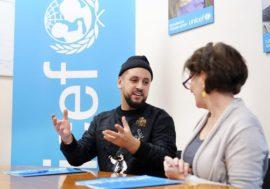 Тренер «Голос. Дiти» MONATIK будет продвигать тестирование на ВИЧ среди молодежи в Украине