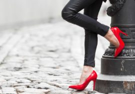 """В Алматы штрафуют секс-работниц под предлогом """"приставания к гражданам"""""""