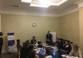 В Казахстане госчиновники и эксперты НПО обсуждают улучшение доступности АРТ