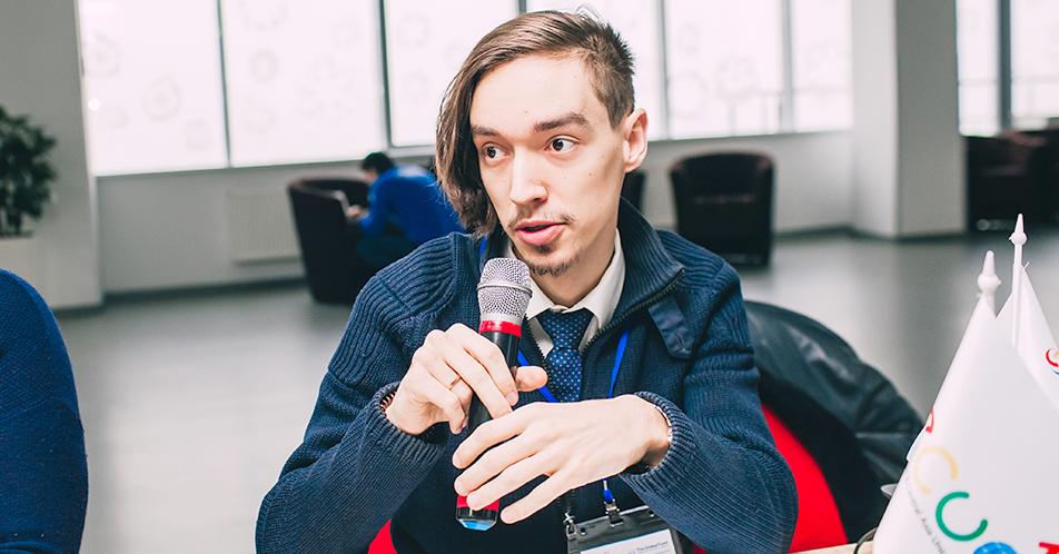 Артем Голобоков Артём Голобоков, специалист по адвокации «Восточноевропейского и Центральноазиатского объединения людей, живущих с ВИЧ.