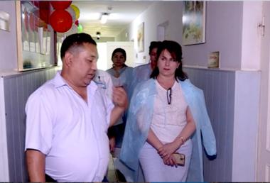 """В Казахстане запустили проект """"Коробка храбрости"""" для ВИЧ-позитивных детей"""