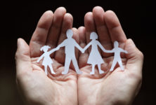 Запрет ЛЖВ на усыновление в РФ признали незаконным