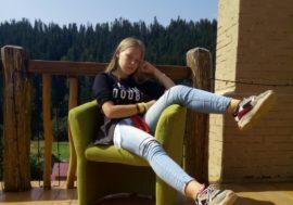 «Самый важный пост в моей жизни. У меня ВИЧ. Я живу с ним с рождения». Василиса, 18 лет