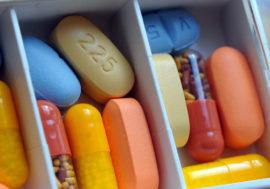 В РФ планируется сокращение госзакупок препаратов АРТ