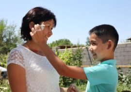 Алия Масаурова: «Мы начали рассказывать сыну про вирус с двух лет»