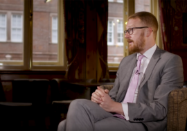 "Ллойд Рассел-Мойл, британский парламентарий: ""Стигматизация ВИЧ опасна для жизни"""