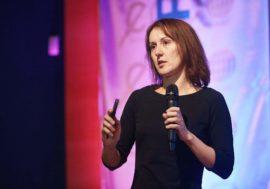 Анастасия Покровская: Закон РФ о депортации ВИЧ-положительных иностранцев дает большое поле для нелегальных действий