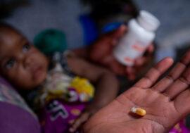 Пандемия COVID-19 может лишить доступа ВИЧ-инфицированных к антиретровирусным препаратам